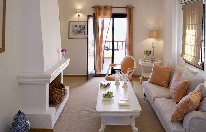 Aegean Suites - Room - 3