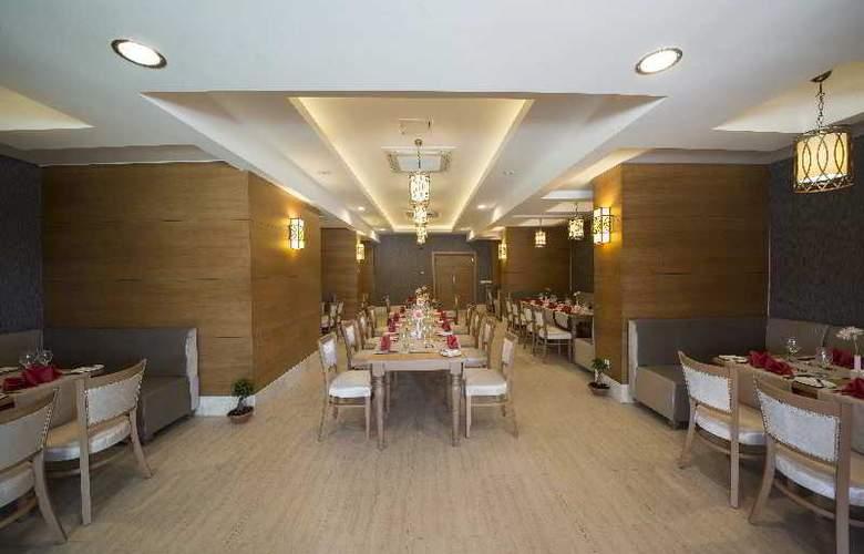 Lara Family Club - Restaurant - 6