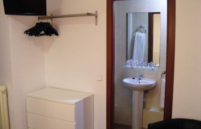 Catalunya Express - Room - 9