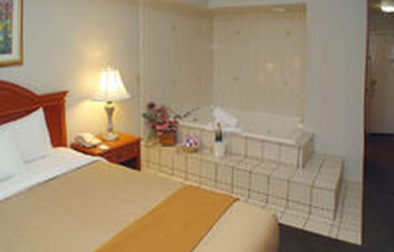 Holiday Inn Express Bakersfield - Room - 12