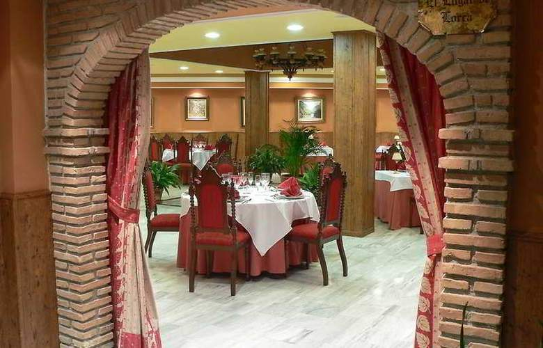 Reyes Ziríes - Restaurant - 5
