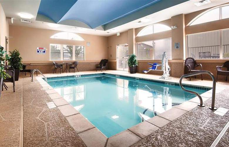 Best Western Plus Jfk Inn & Suites - Pool - 32