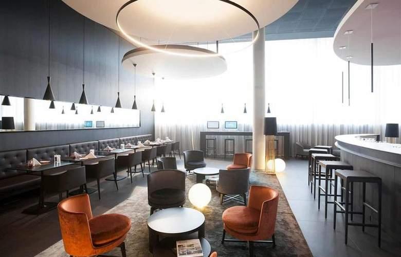 Novotel Basel City - Bar - 9