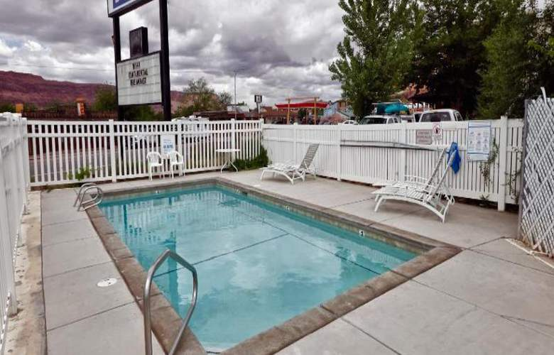 Days Inn by Wyndham Moab - Pool - 13