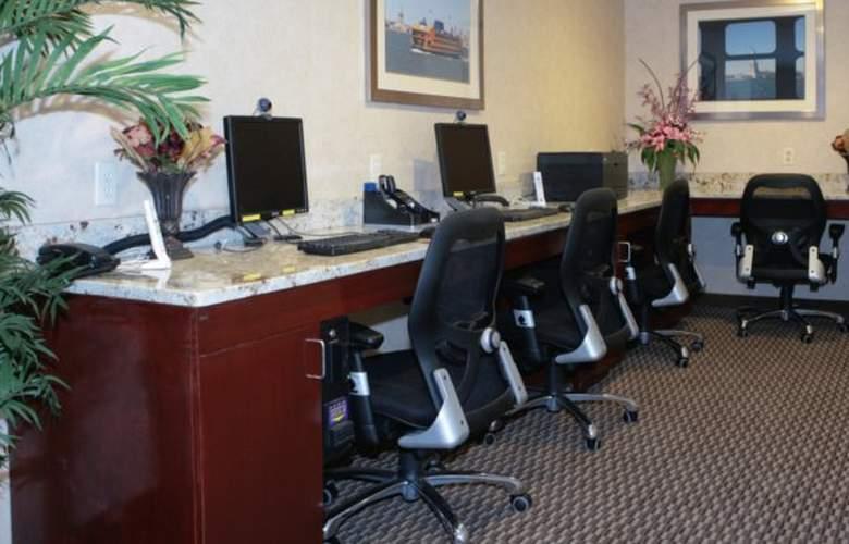 Comfort Inn Staten Island - Services - 5