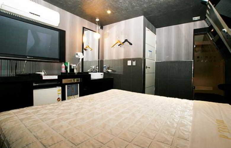 D Hotel Shinchon - Room - 4