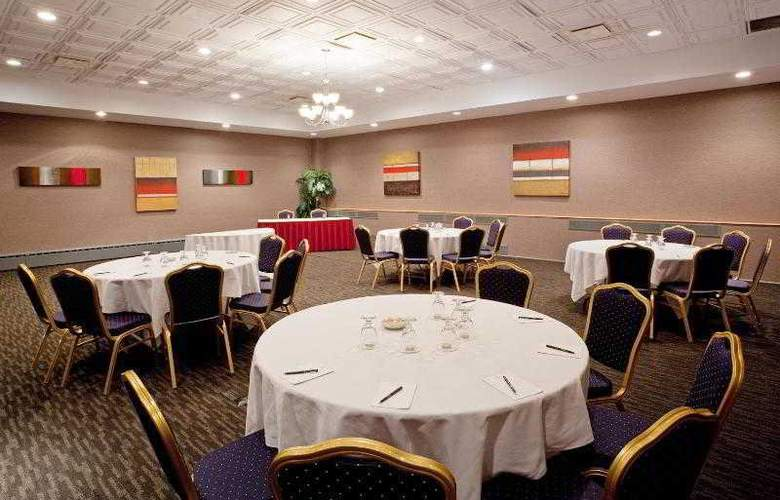 Crowne Plaza Montreal Airport - Hotel - 13