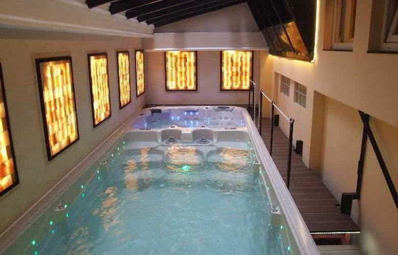 Residence Baron - Pool - 10