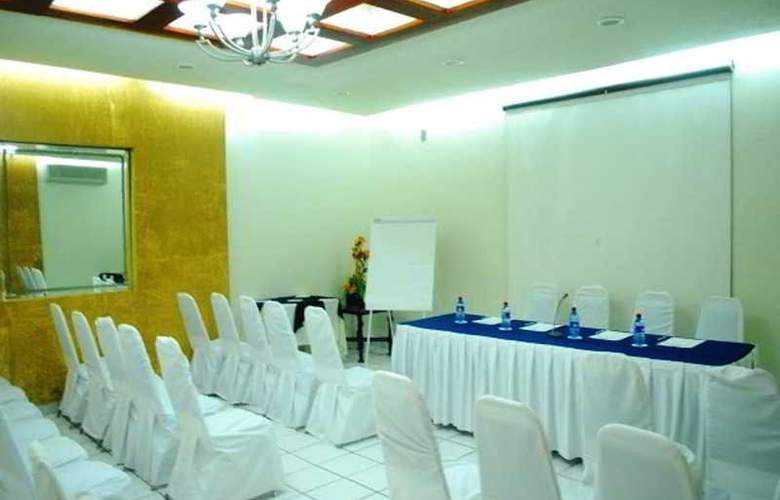 Howard Johnson Hotel Villahermosa - Conference - 7