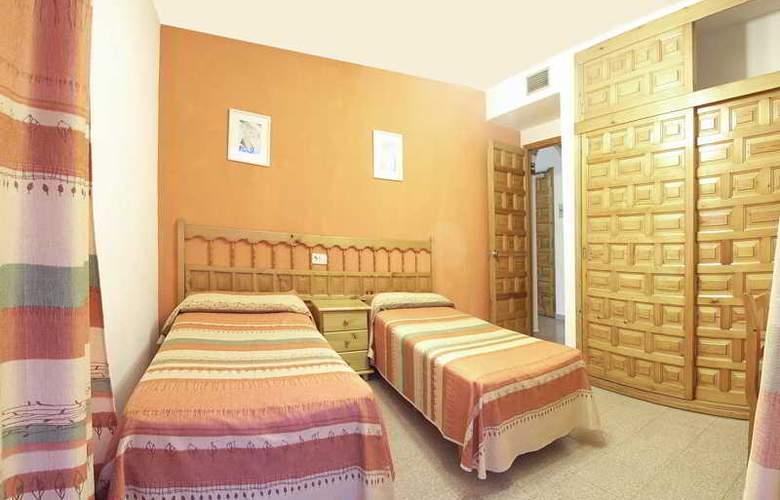 Marian - Room - 6