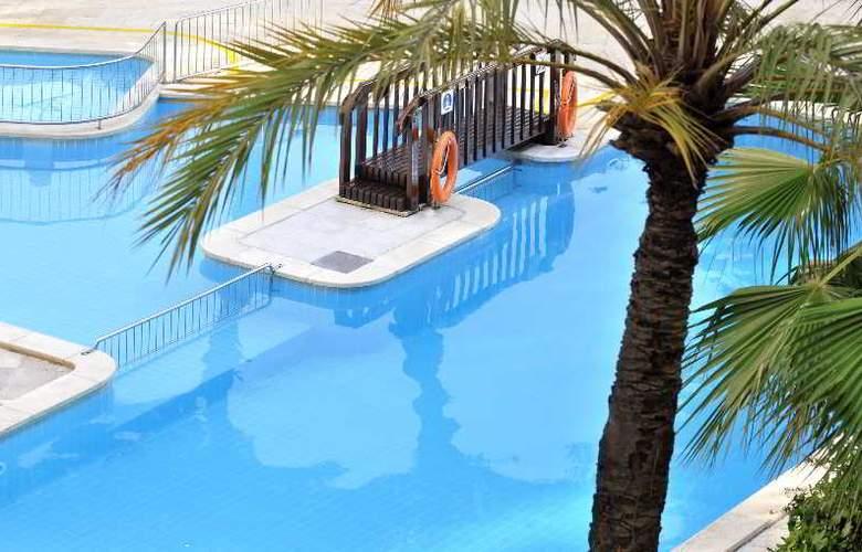Playa Park - Pool - 10