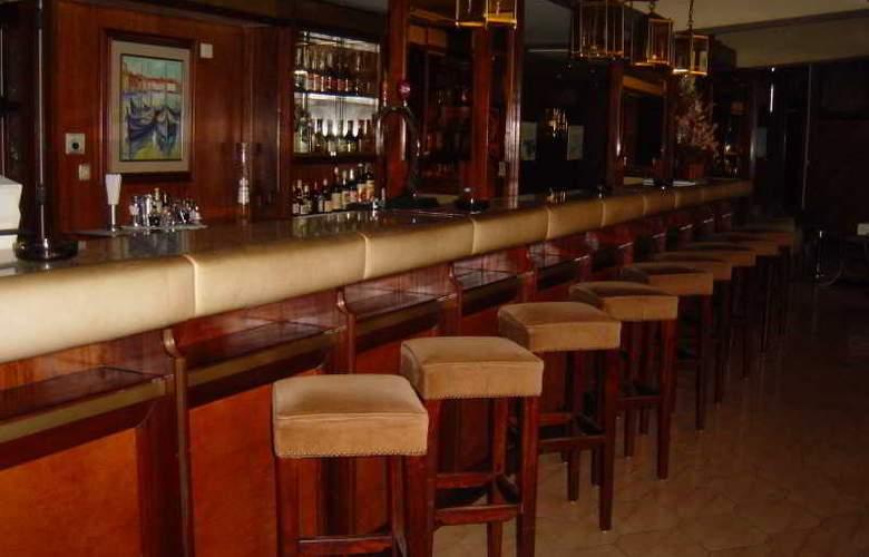 Imperial - Bar - 12