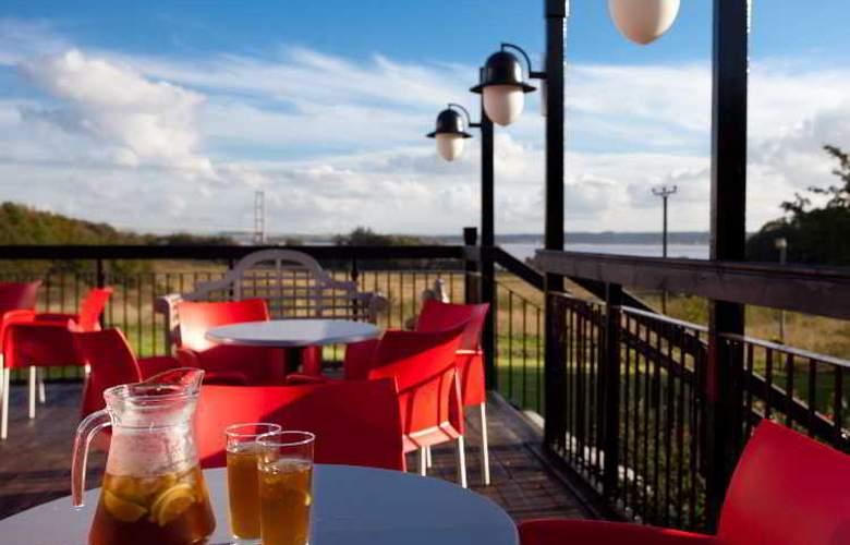 Hallmark Hotel Hull - Terrace - 7