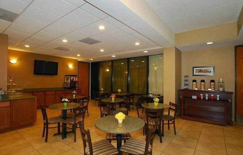 Best Western Hotel & Suites - Hotel - 8