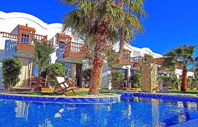 Manastir - Hotel - 0