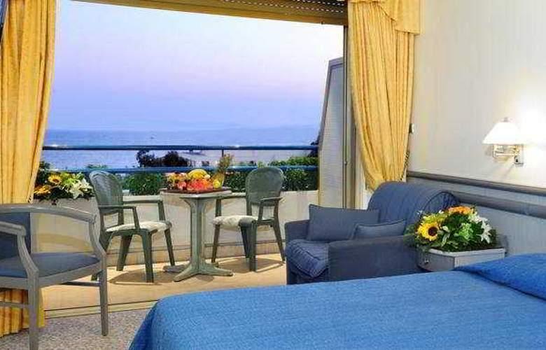 Emmantina Hotel - Room - 4