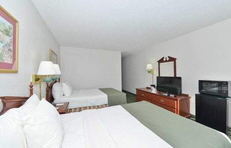 Best Western Holiday Plaza - Hotel - 2