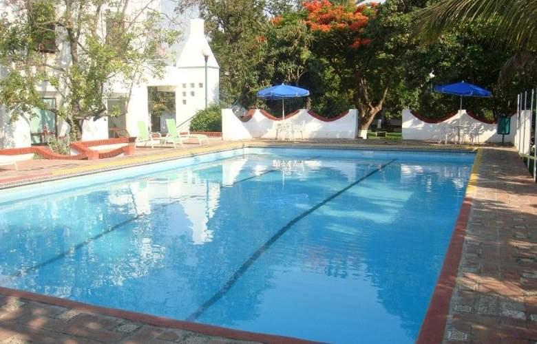 Los Olivos Spa - Pool - 0
