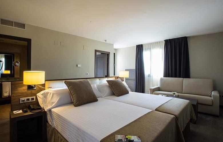 Sercotel Gran Luna de Granada - Room - 25