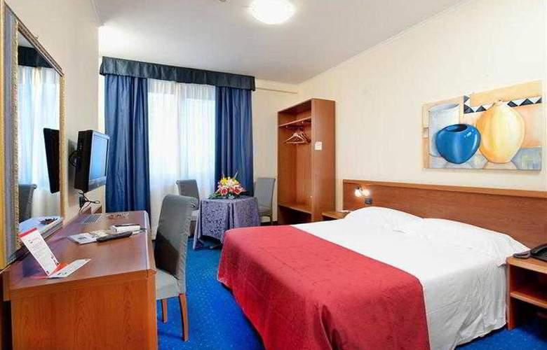 Best Western Blu Hotel Roma - Hotel - 17