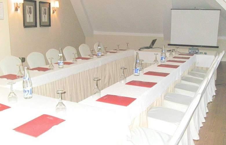 Infantas de Leon - Conference - 12