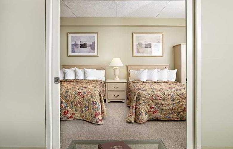 Sandalwood Suites Toronto Airport - Room - 8
