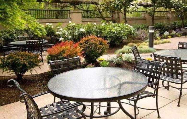 Courtyard Portland Southeast - Hotel - 22