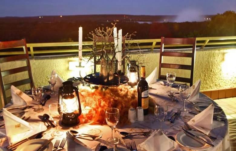 Victoria Falls Rainbow - Restaurant - 11