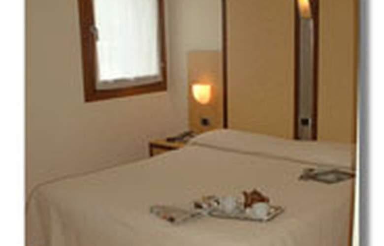 DOLOMITI - Hotel - 0