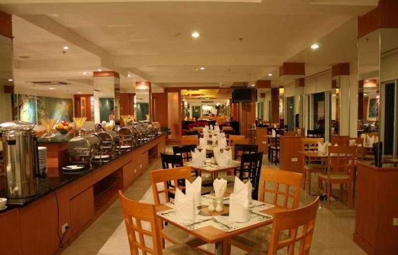 Baron Beach Hotel - Restaurant - 11