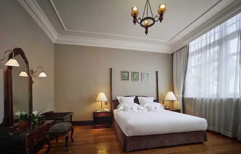 Eastern and Oriental Hotel Penang - Room - 35