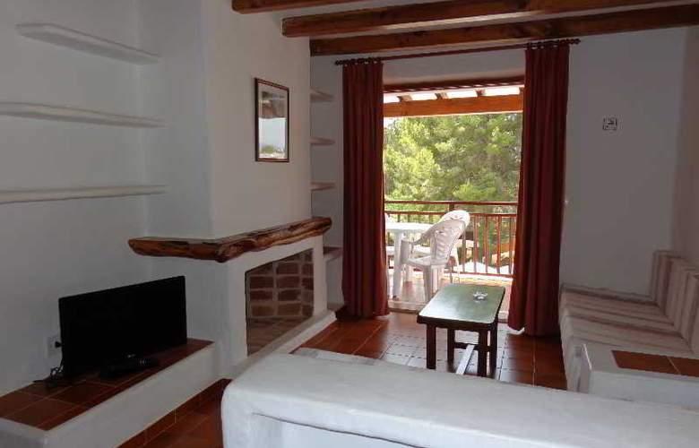 Benet - Los Pinares I - Room - 9