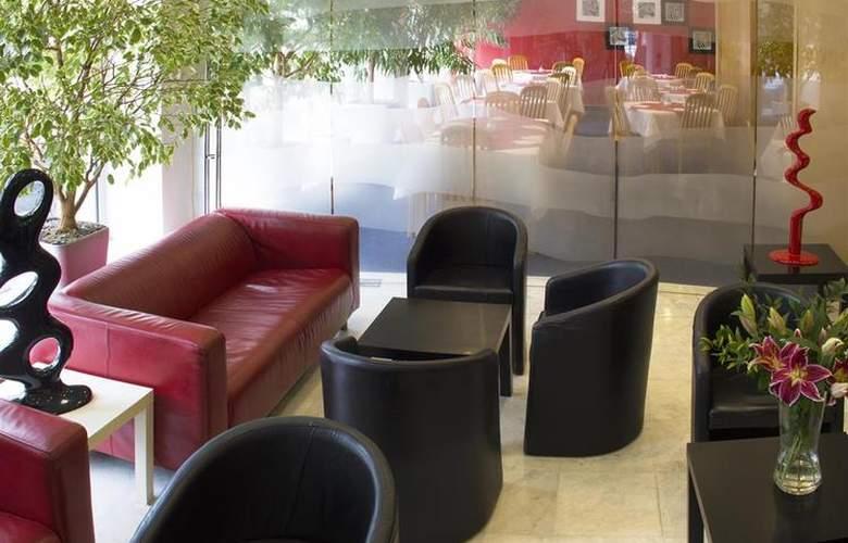 Luxury Family Hotel Bílá Labut - General - 54
