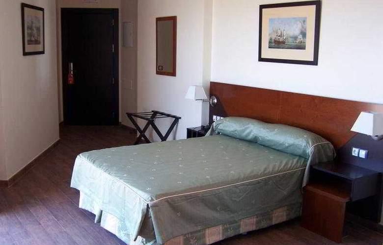 Martín Alonso Pinzón - Room - 3