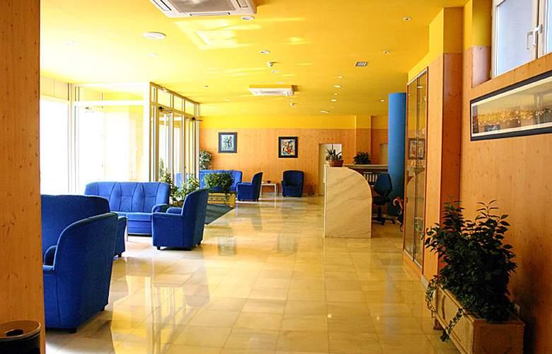 Bezana Lago - Hotel - 1