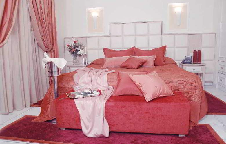 Strass Hotel - Room - 8