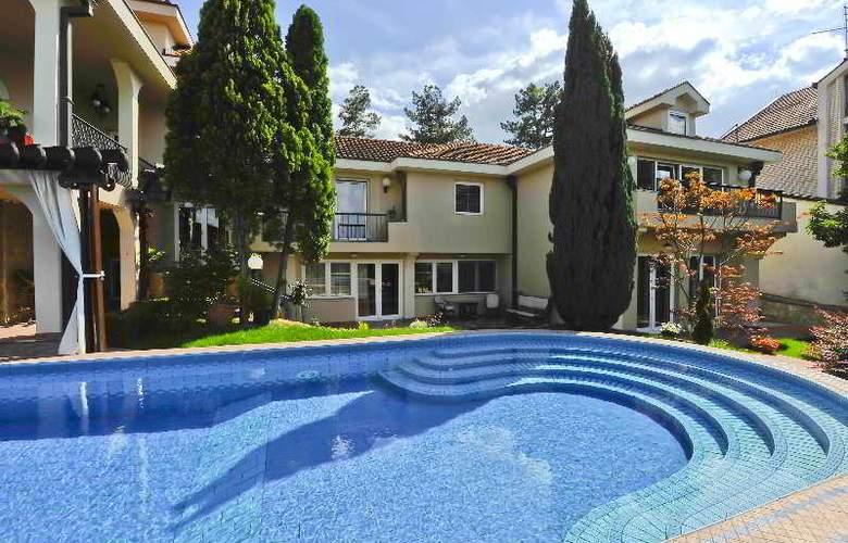 Villa Saga Paradiso - Hotel - 13
