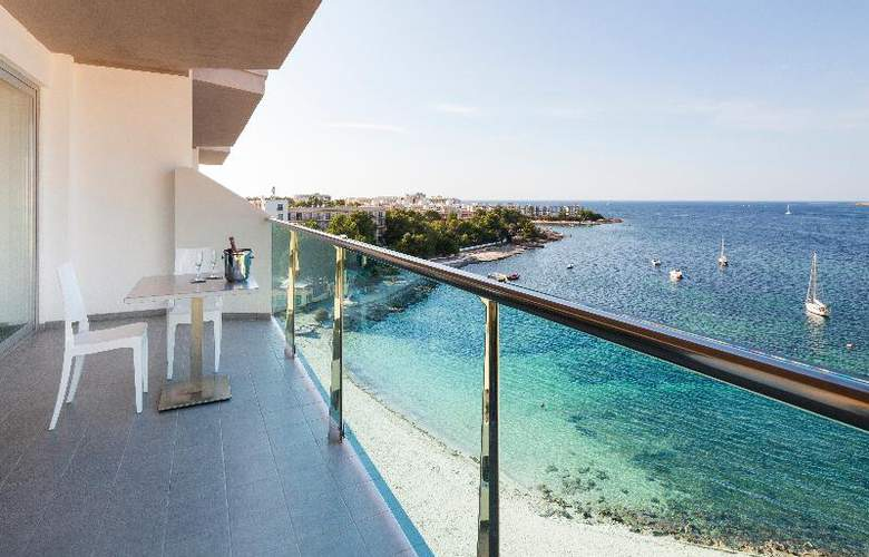 AxelBeach Ibiza Suites Apartments Spa and Beach Club - Adults Only - Beach - 39
