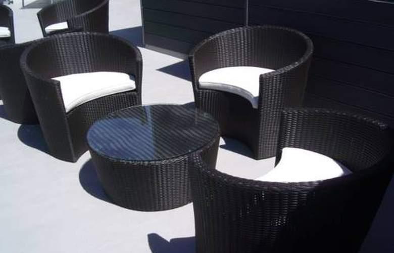 Zenit Vigo - Terrace - 20