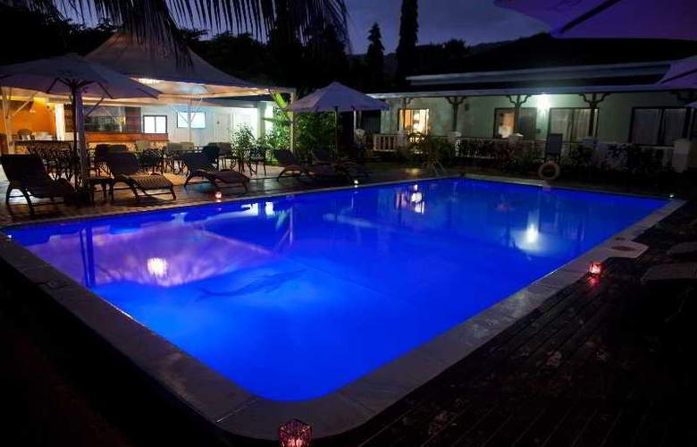 Le Relax Beach Resort - Pool - 4