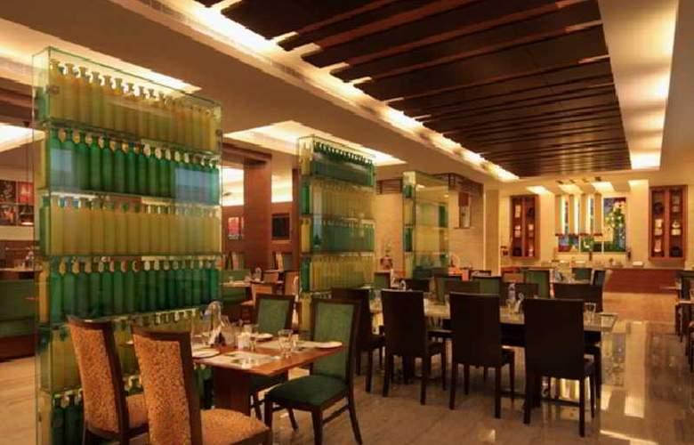 Lemon Tree Premier Ulsoor Lake Bengaluru - Restaurant - 7