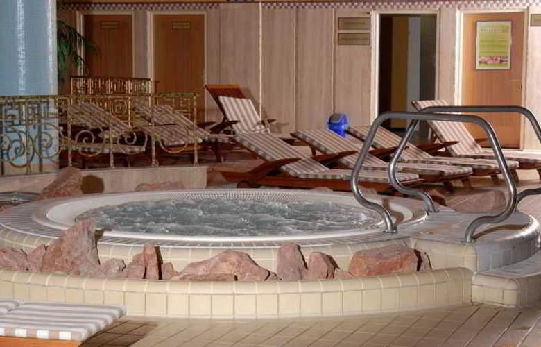 The Aquincum Hotel Budapest - Pool - 9