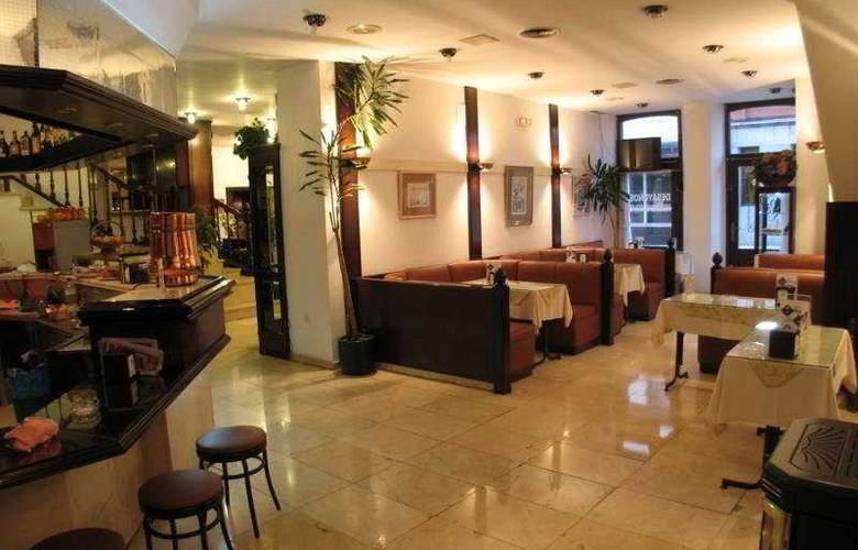 Gran Hotel Paraiso - Restaurant - 7
