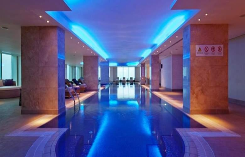 Hilton Baku - Pool - 1