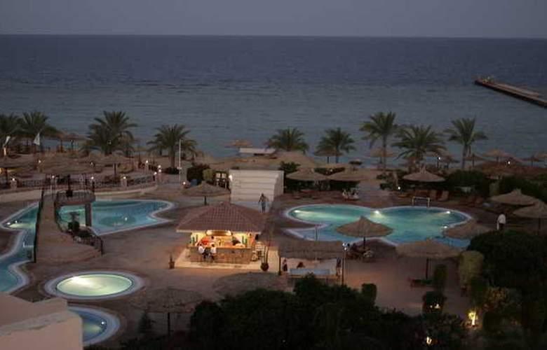 Flamenco Beach Resort - Hotel - 2