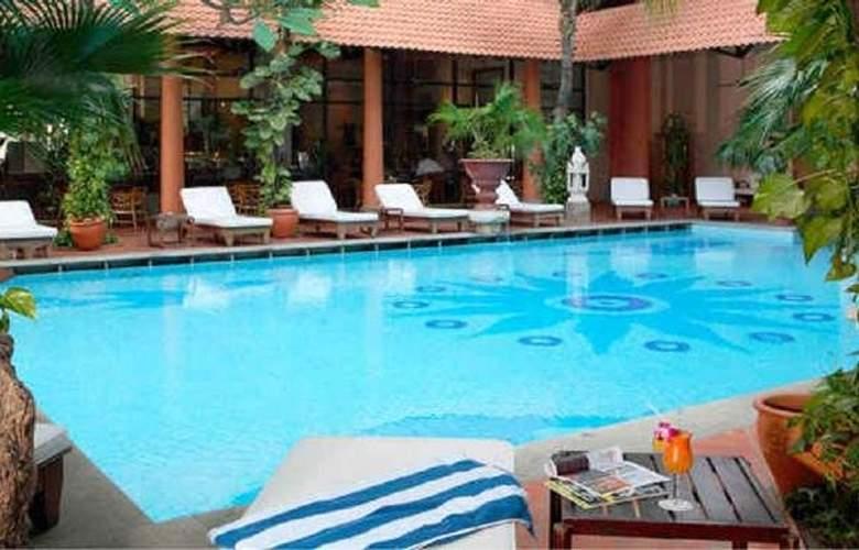 Parkroyal Saigon - Pool - 8