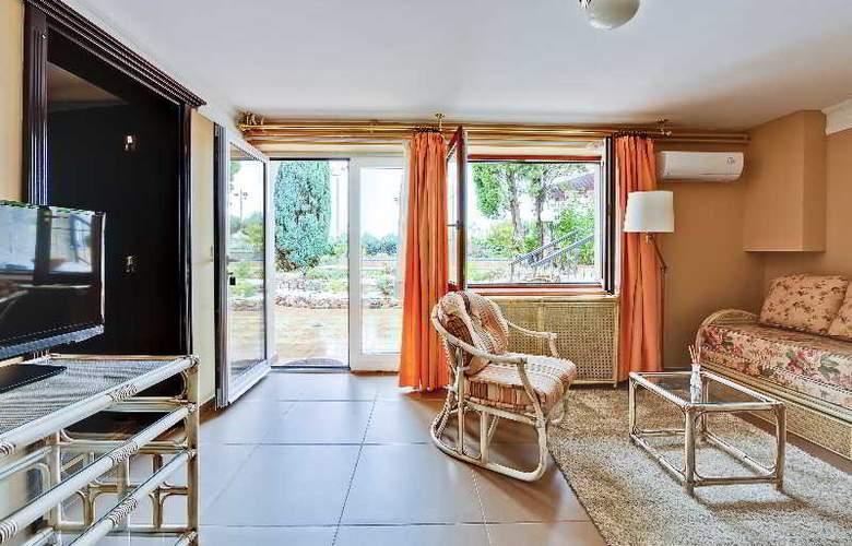 Villa Saga Paradiso - Room - 39