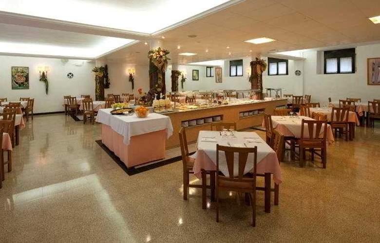 Marina Tossa - Restaurant - 9
