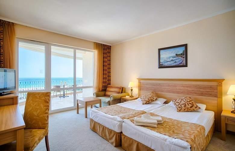 Majestic Beach Resort - Room - 2