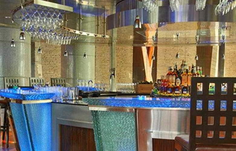 Hyatt Regency Mumbai - Bar - 4